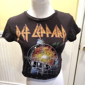 Def Leppard Cropped tee😍😍